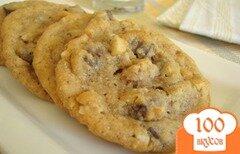 Фото рецепта: «Овсяное печенье с шоколадом и макадамией»