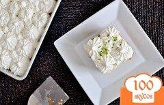 Фото рецепта: «Лимонно-лаймовый торт со взбитыми сливками»