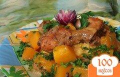 Фото рецепта: «Тушеная пряная курица с тыквой»