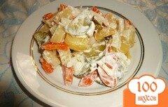 Фото рецепта: «Картофельный салат с огурцами и морковью»