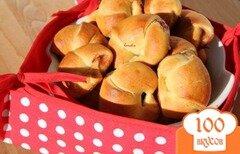 Фото рецепта: «Творожно-дрожжевое тесто на сыворотке и сладкие рогалики с джемом»