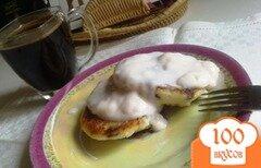 Фото рецепта: «Творожные оладушки с изюмом»