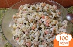 Фото рецепта: «Оливье с кальмарами и креветками»