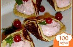 Фото рецепта: «Блинчики арабские (катаеф) с творожно-клубничной начинкой»