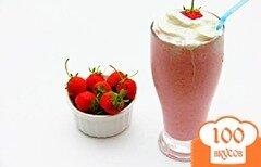 Фото рецепта: «Молочный коктейль с клубникой»