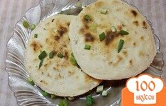 Фото рецепта: «Сухие лепешки с зеленым луком»