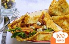Фото рецепта: «Блины с грушами, карамельным луком и беконом.»