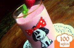 Фото рецепта: «Клубничный молочный коктейль»