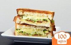 Фото рецепта: «Тост с сыром, авокадо и беконом»