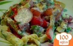 Фото рецепта: «Салат из редиса и сырного омлета.»
