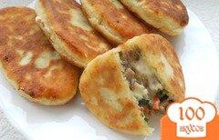 Фото рецепта: «Пирожки из творожного теста с сыром, мясом и грибами»