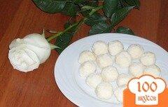 Фото рецепта: «Конфеты Рафаэлло своими руками»