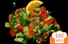 Фото рецепта: «Овощной салат с копченой семгой»
