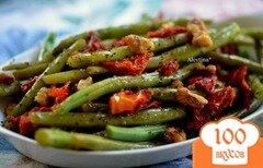 Фото рецепта: «Зеленая фасоль с вялеными помидорами и грецкими орехами»