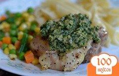 Фото рецепта: «Куриные бедрышки с соусом кинзы»