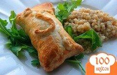 Фото рецепта: «Слоеные пирожки с курицей и сливочным сыром»