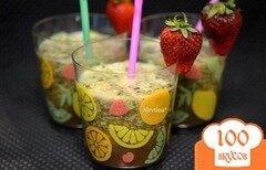 Фото рецепта: «Шпинатный напиток с ягодами и киви»