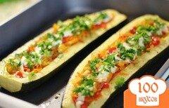 Фото рецепта: «Лодочки из цукини с овощами»