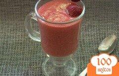 Фото рецепта: «Манный десерт на клубничном смузи»