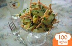 Фото рецепта: «Салат с морковью и огурчиком»