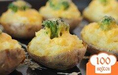 Фото рецепта: «Картофель с брокколи в духовке»