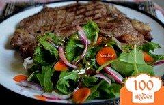 Фото рецепта: «Салат с листовой капустой и овощами»