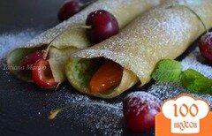 Фото рецепта: «Блинчики с фруктовой начинкой с киршем»