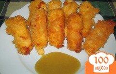 Фото рецепта: «Жареный сыр с медово-горчичным соусом»