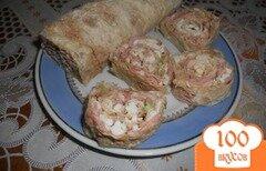 Фото рецепта: «Рулет с колбасой и сельдереем»