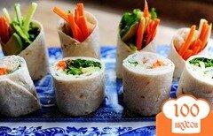 Фото рецепта: «Овощные роллы из лепешек тортильяс»