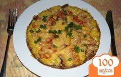 Фото рецепта: «Пицца из цукини(кабачка) с беконом и помидорами»