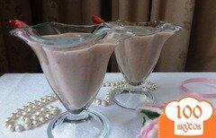 Фото рецепта: «Густой коктейль из ягод на ореховом молоке»