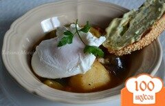 Фото рецепта: «Овощное рагу по-провансальски с яйцом пашот»