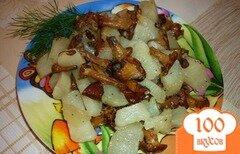 Фото рецепта: «Лисички, жареные с картошкой в мультиварке»