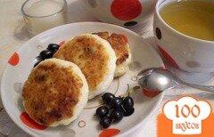 Фото рецепта: «Сырники с черной смородиной»