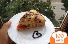 Фото рецепта: «Сладкий пирог на кефире со сливами»