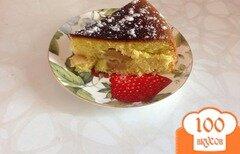 Фото рецепта: «Бисквит с яблоками в мультиварке»