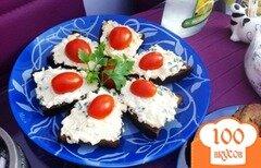 Фото рецепта: «Канапе с сырным салатом и чесноком»