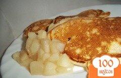 Фото рецепта: «Оладьи с грушевым соусом»