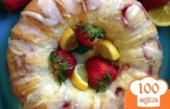 Фото рецепта: «Кекс с клубникой в мультиварке»