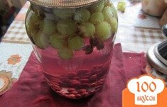 Фото рецепта: «Консервированый виноградный компот»