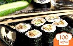 Фото рецепта: «Роллы с кальмарами и огурцом»