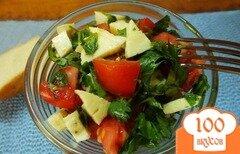 Фото рецепта: «Грузинский салат из овощей с сыром сулугуни и горчичным маслом»