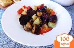 Фото рецепта: «Салат с сыром и базиликом из печеных овощей»