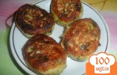 Фото рецепта: «Картофельные пирожки с зеленым чеснаком и петрушкой»