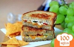 Фото рецепта: «Бутерброды с сыром на сковороде»