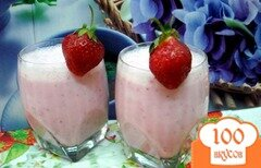 Фото рецепта: «Коктейль молочно клубничный»
