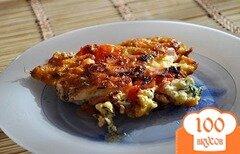 Фото рецепта: «Яичница с колбасой, помидорами и сыром»