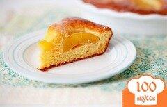 Фото рецепта: «Творожный пирог с персиками и джемом»