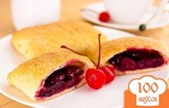 Фото рецепта: «Пирожки с замороженными ягодами»